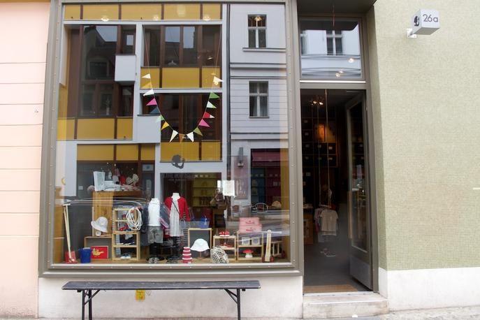 petite boutique berlin shopping guide secrets 2 berlin pinterest. Black Bedroom Furniture Sets. Home Design Ideas