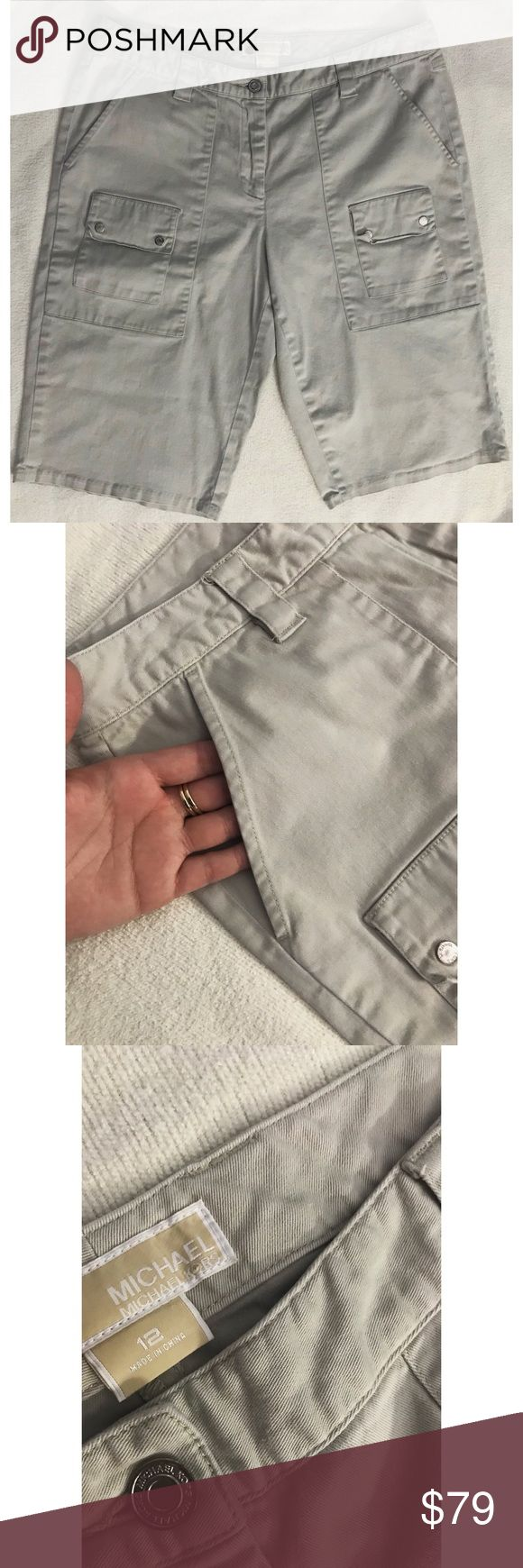 Michael Kors khaki capris Michael Kors khaki capris, has a stain on the tag other than that it's in perfect condition.                                                                                                                                                                                                                                                                    🌸 Fast shipper 🌸 Accept reasonable offers 🌸 I do bundle discounts too                                            🌸…