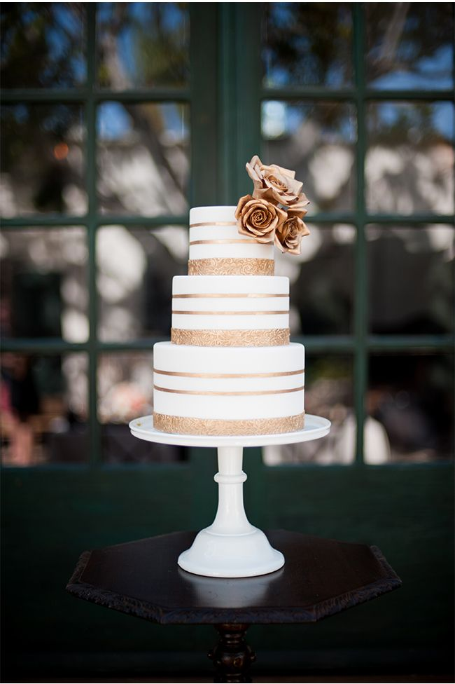 white peach and gold wedding cake 17 best ideas about white wedding cupcakes on 27306