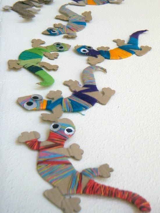 Yarn-wrapped lizards. Great crafts for boys or girls!