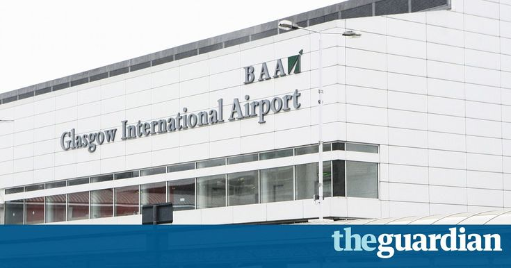 Pilot suffers heart attack at Glasgow airport as he prepares to take off with 128 aboard - http://themostviral.com/pilot-suffers-heart-attack-at-glasgow-airport-as-he-prepares-to-take-off-with-128-aboard/