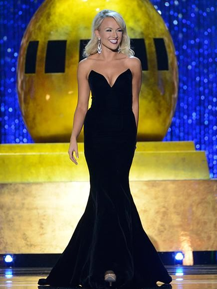 Miss Arkansas Savvy Shields Has Been Crowned Miss America 2017