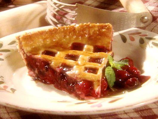 Пирог с вишней - Рецепты вишневого пирога - Как правильно готовить