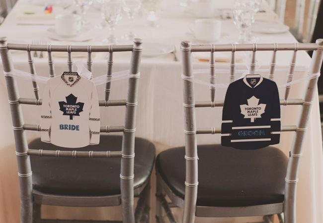 LOVE this hockey themed wedding (too bad it's the Maple Leafs though…)