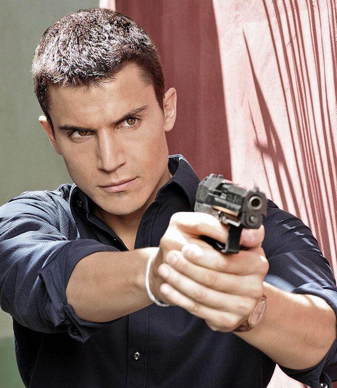 El Príncipe: una misión secreta, un agente infiltrado y un amor imposible con Alex Gonzalez