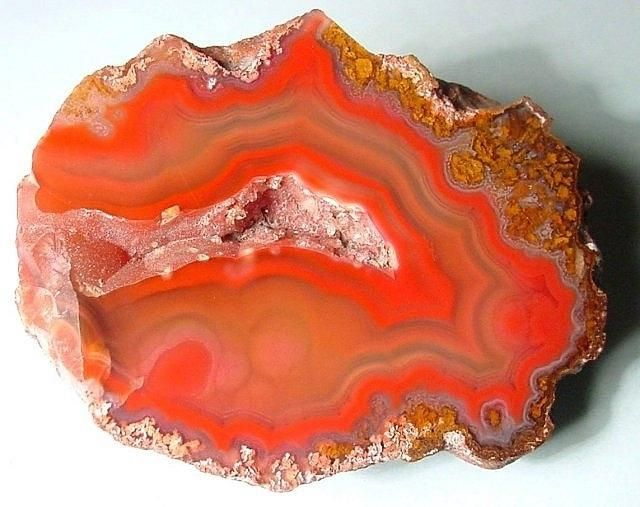 Best Ágata Images On Pinterest Boxes Clouds And Colors - Amazing agate gemstones resemble snapshots of earths landscapes