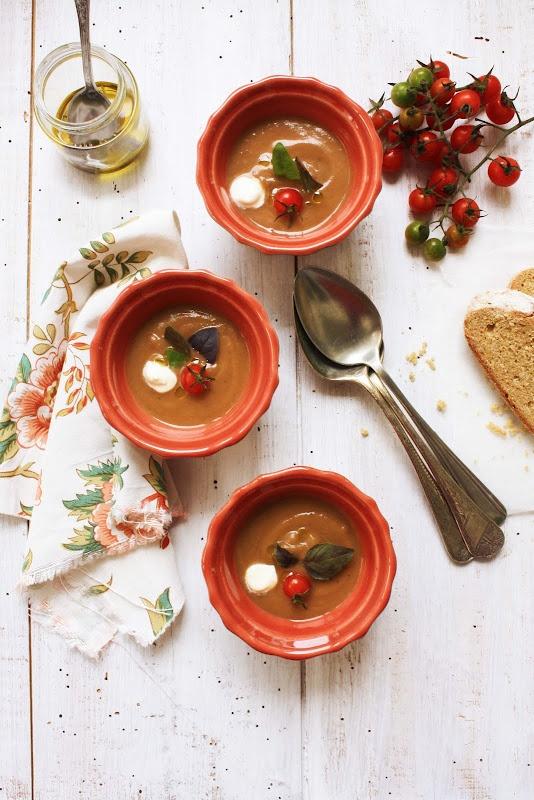 Sopa de beringela e tomate # Eggplant and tomato soup