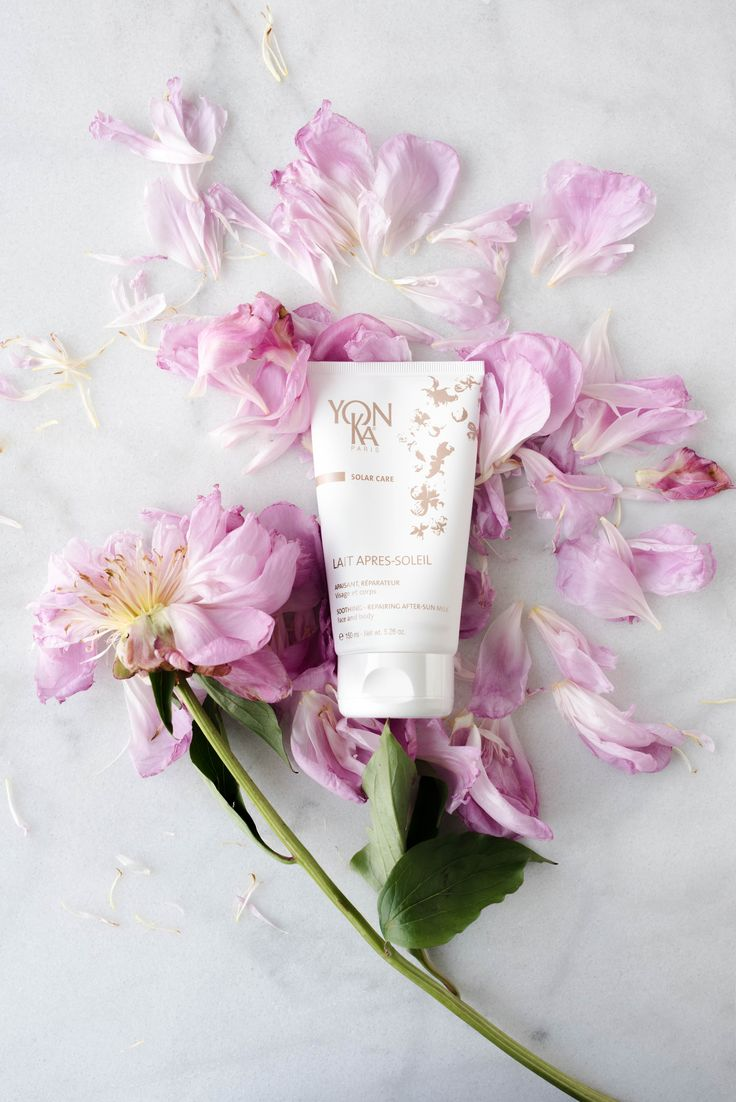 Yon-Ka Solar Care Soothing Repairing After-Sun Milk bring relief to red, inflamed and irritated skin. Cucumber extract and milk proteins hydrate and fortify for a smoother appearance. Calendula promotes cell regeneration and helps heal sunburns, irritation and rashes.