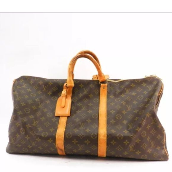 Louis Vuitton Keepall 55 Louis Vuitton duffle great condition (over $1000 in store) authentic Louis Vuitton Bags