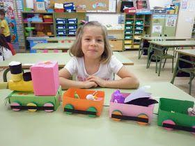 Suso se marcha de excursión ¡con mucha ilusión! en busca de nuevos inventos. Alba ha llegado con un tren lleno de vagones de colores. ¡Sus...