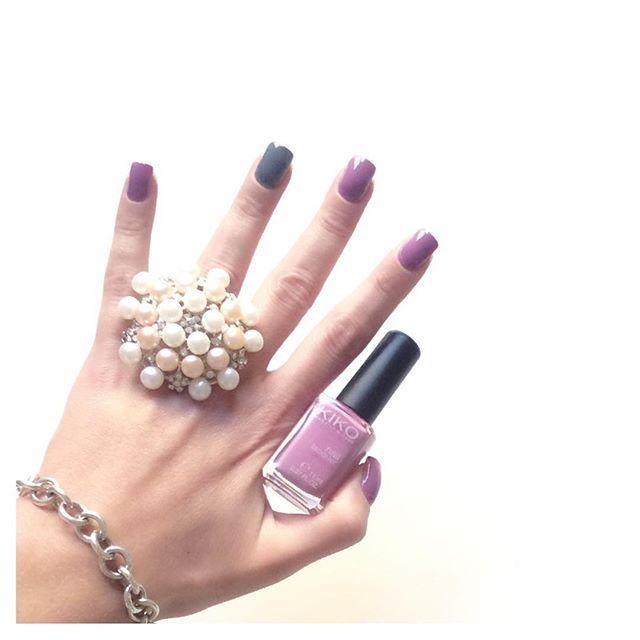 L'accoppiata kiko malva 499 e kiko grigio 327 mi piace tantissimo!!!  #eglebreme #mani #manicure #smalto #nails #nailart #unghie #nailaddict #nailpolish #nailsoftheday #nail #nailstagram #nailpolishaddict #potd #kiko #kikocosmetics #kikocosmeticsofficial #smaltodelgiorno #instamamme #womoms #thewomoms #notonlymama #instanails