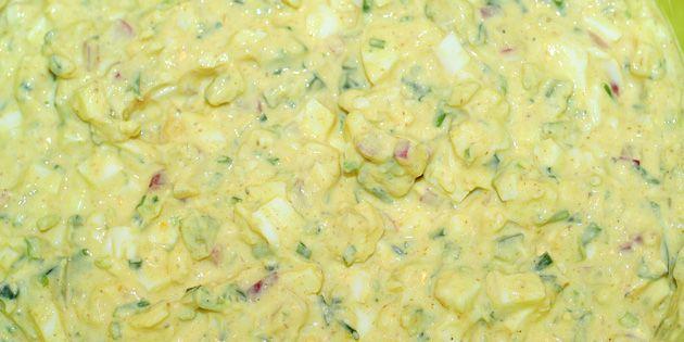 Fedtfattig æggesalat med skyr
