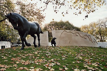 Animals in War Memorial, Brook Gate, Park Lane, London W1 tribute to all the animals that served, suffered and died alongside the British and Allied forces in the wars and conflicts of the 20th century.