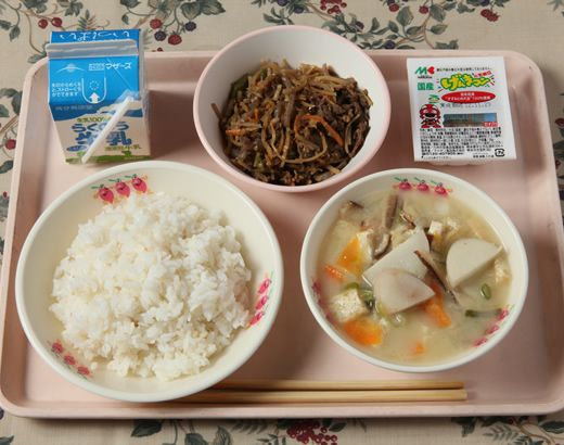 Kyushoku — Japanese School Lunch. wish I had this for lunch everyday instead of the typical cafeteria lunch my school serves :P