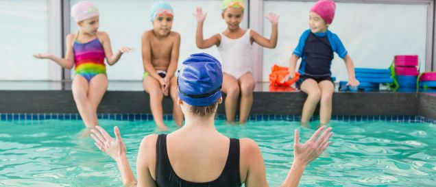 Check out the important traits of a qualified swimming instructor.