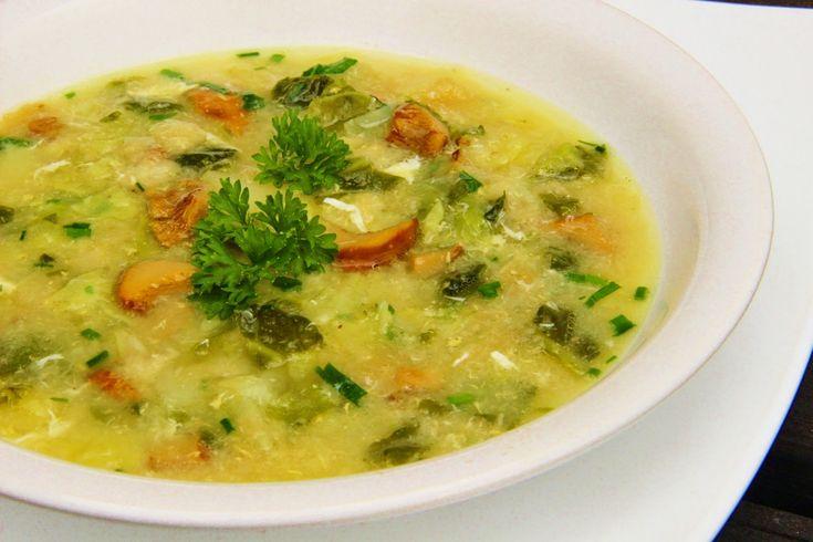 V kuchyni vždy otevřeno ...: Panádlová kapustová polévka s liškami