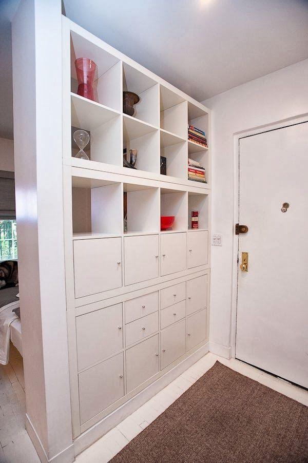 Estante com gavetas e nichos. Super prática - #estantes Achados de Decoração - blog de decoração e bem viver