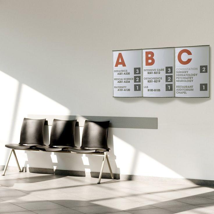 Arkitekttegnet Strato oversigtsskilt / vægskilt i sølv-anodiseret aluminium, med en dybde på kun 10 mm og et eksklusivt buet design. Fronten er  en 1 mm anti-refleks acryl, som let afmonteres med en sugekop, så designet kan skiftes efter behov.   Anvendelse: Trappetavler, infotavler, vejvisnings skilte, opgangs tavler, skilte til boligforeninger, skilte til firmaer mm. For mere information om forskellige kontor skilte, besøg os på www.kontorskilte.com