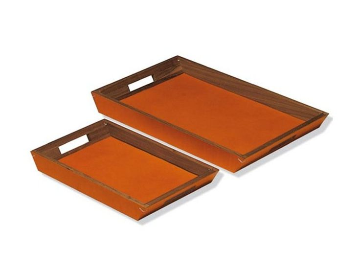 Paper tray in black walnut wood covered in grained naturally tanned leather.