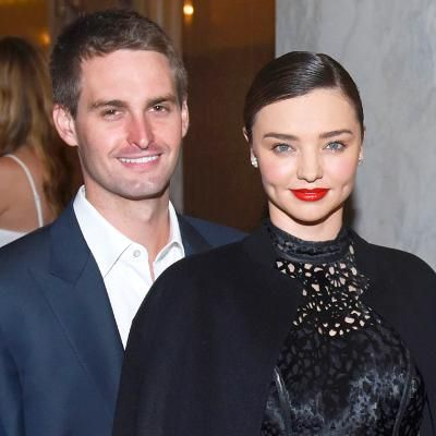 "Miranda Kerr Is Engaged to Snapchat CEO Evan Spiegel—See Her Stunning Ring: Description: The model took to Instagram to share a photo of her gorgeous sparkler with the words ""I said yes!!!""The model took to Instagram to share a photo of her gorgeous sparkler with the words ""I said yes!!!"" Shares Per Hour:Viral=760"