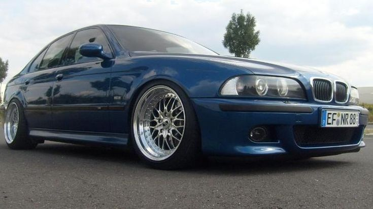 BMW E39 M5 bright blue, gray interior