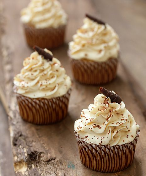 Tres Leches Cupcakes | Bakers Royale  Visual only (requires sign up for recipe) just love the frosting
