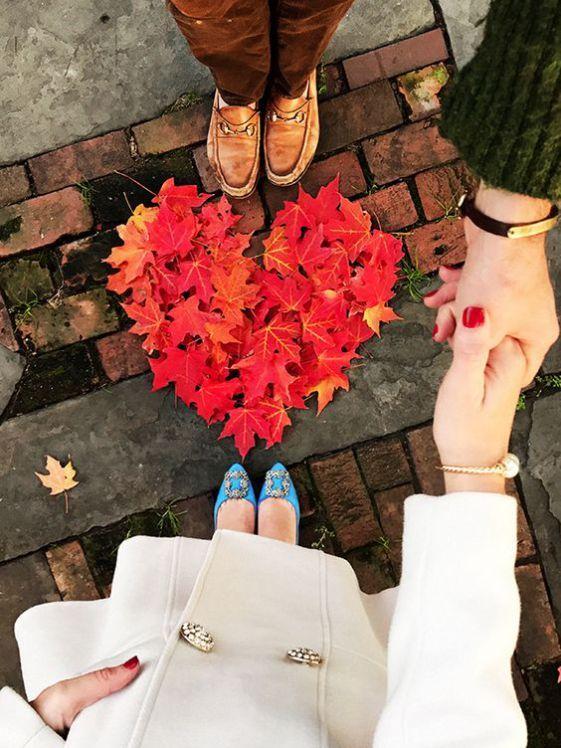 12 Weitere gemütliche und süße Verlobungsfotos im Herbst