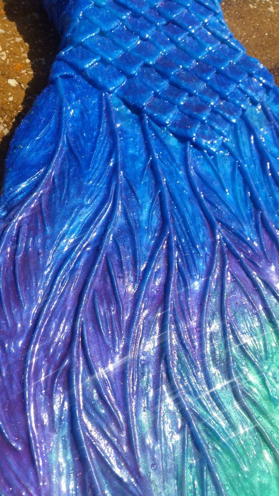 I'm not into the mermaid thing, but I guess I might be some day.  Make Your Own Elaborate Mermaid Tail With This Excellent Tutorial