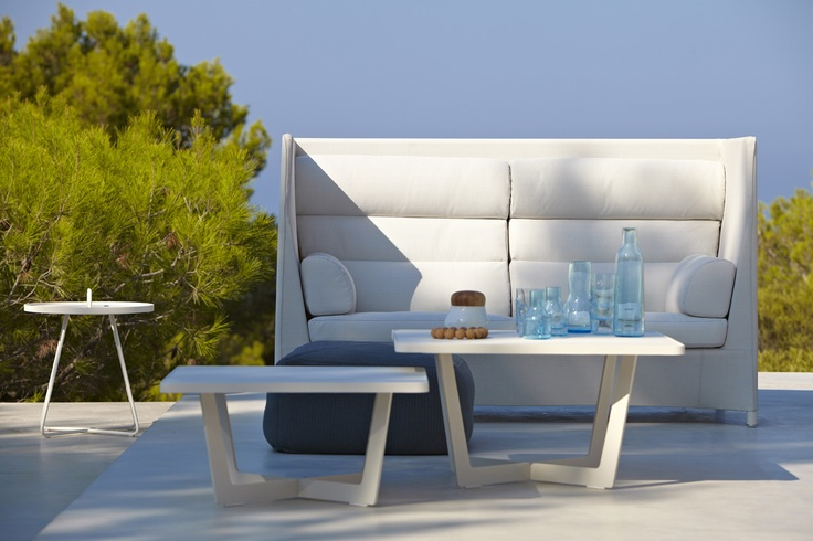 Unique design for your garden by #Danishdesigners Foersom & Hiort-lorenzen and #Caneline. Diamond highback #loungesofa is perfect for a hot summer day.