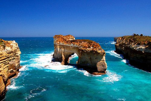 I have been to the beaches of Australia and they are this beautiful!!--Island Arch, Port Campbell National Park, Victoria, Australia