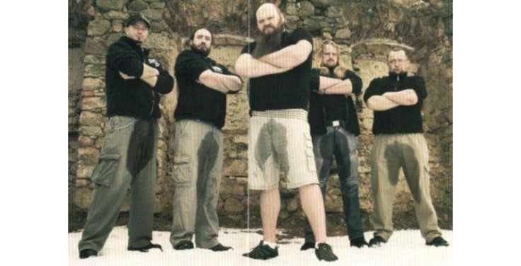 oh my god! Who thought this was a good idea??!?!!!!??? 42 Tragically Awkward Band Photos That Take Poor Taste To New, Impressive Levels