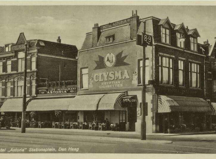 Stationsplein hoek Stationsweg, hotel Astoria anno 1920 Den Haag