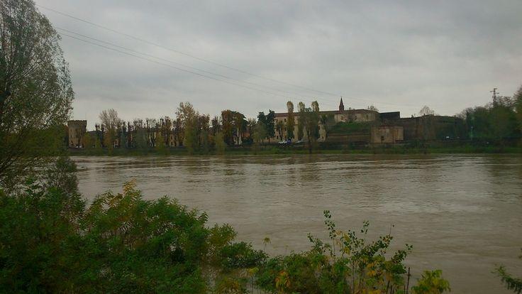 Alcune foto dei principali fiumi del Nord Italia che sono in piena durante questo piovoso novembre 2014