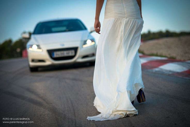 Maria i Jordi - Post Casament.  Karting Parc Motor Castellolí i Gran Sala Teatre Kursaal de Manresa