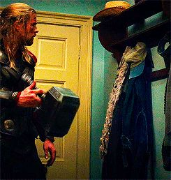 He's a very considerate house guest. | 22 Reasons Why Thor Is The Most…