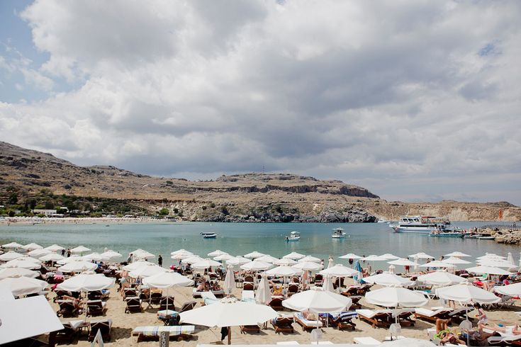 It was more than about time for a Greece vacation. Two weeks of Greek islands were calling and I was very excited. Rhodes beach guide Rhodos Urlaub