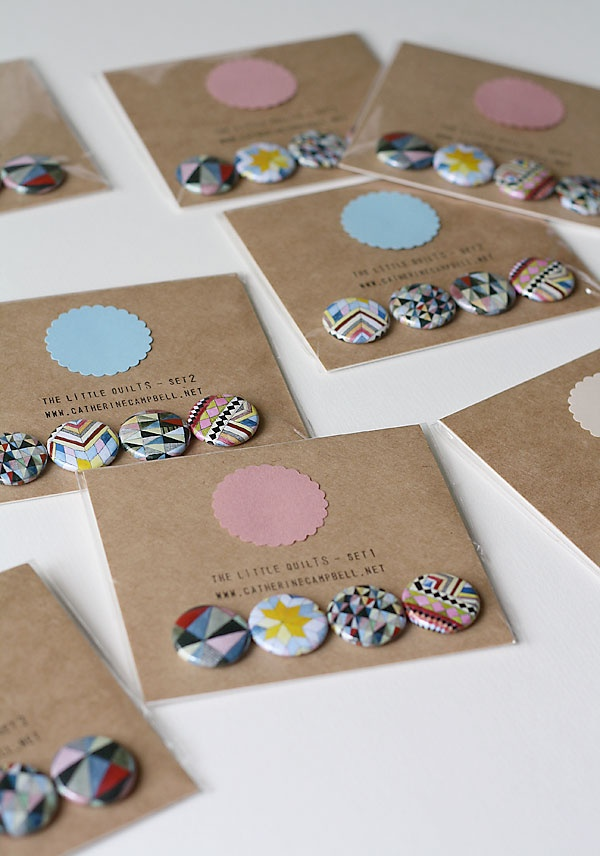 Love this simple and playful way of presenting badges. Scalloped circle = yummy!