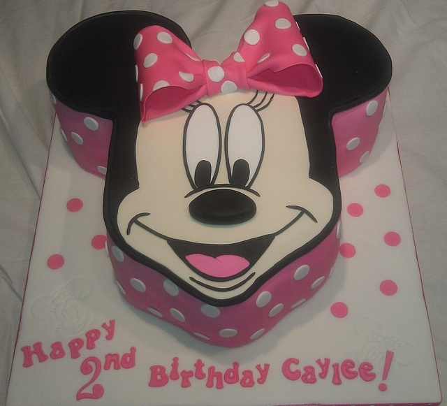 Cake Minnie Mouse Template : 330 best images about Minnie and Mickey Mouse cakes on ...