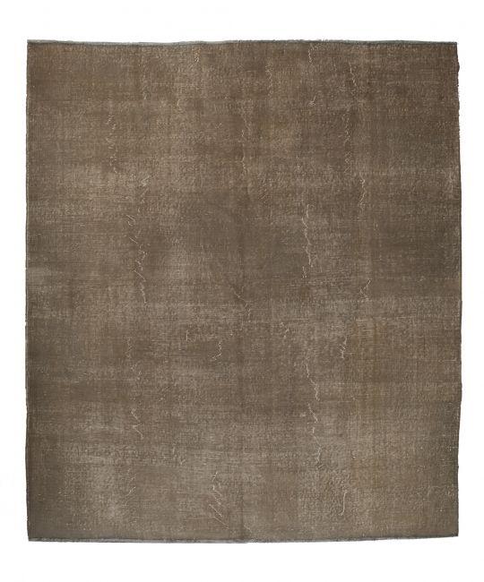 Authentieke recolored karpetten in de kleuren groen / grijs. FTWL brengt je de mooiste recoloured kleden, een patchwork vloerkleed of vloerbedekking. Check de collectie voor alle gekleurde tapijten op voorraad. Geverfde kleden in alle kleuren! - € 961,00