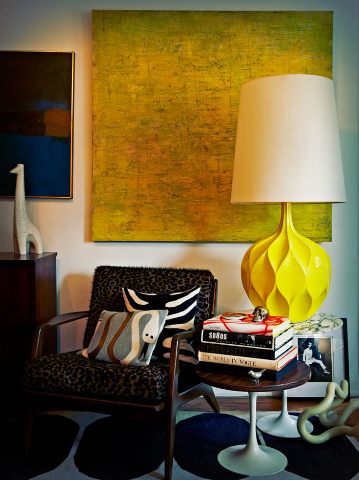 Obsessed with Angel Dormer's fabulous lamp in yellow