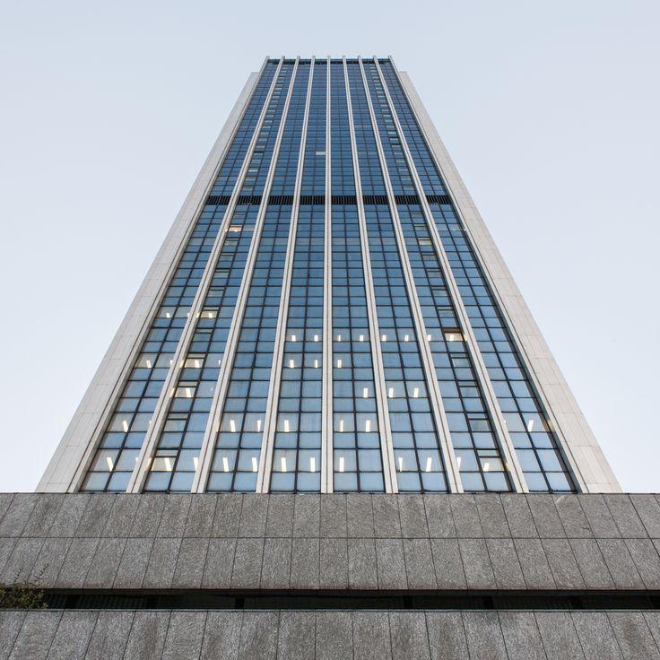 70's office building - Oxford Tower in Warsaw by Daniel Ciesielski on 500px