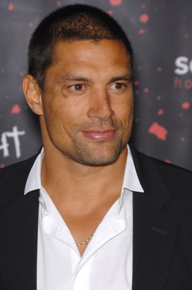 Manu Bennett. otherwise known as Crixus from Spartacus!!