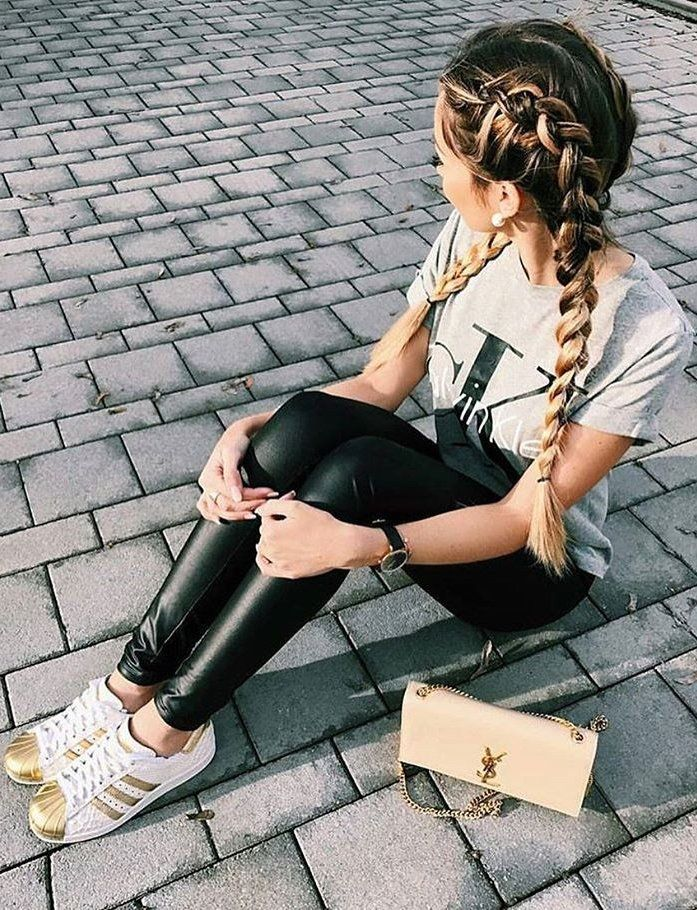 #winter #fashion //  Printed Tee // Leather Leggings // Gold & White Sneakers