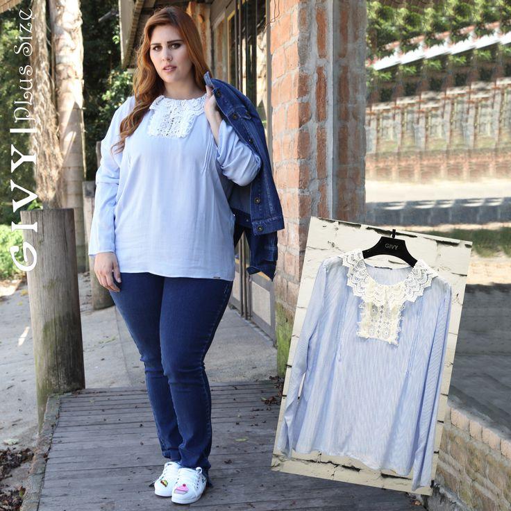 Boa Tarde Divas!! E para arrasar no happy hour com os amigos, esse look maravilhoso com essa blusa super romântica com essa calça jeans e essa jaqueta jeans!! #givyfashion #modaplussize #cool #trendalert #tamanhosgrandes