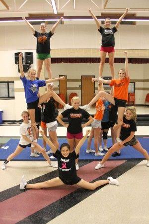 Simple Cheer Pyramid. cute for a JV stunt!