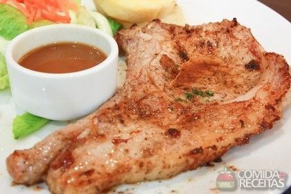 Receita de Bisteca de porco ao forno em receitas de carnes, veja essa e outras receitas aqui!