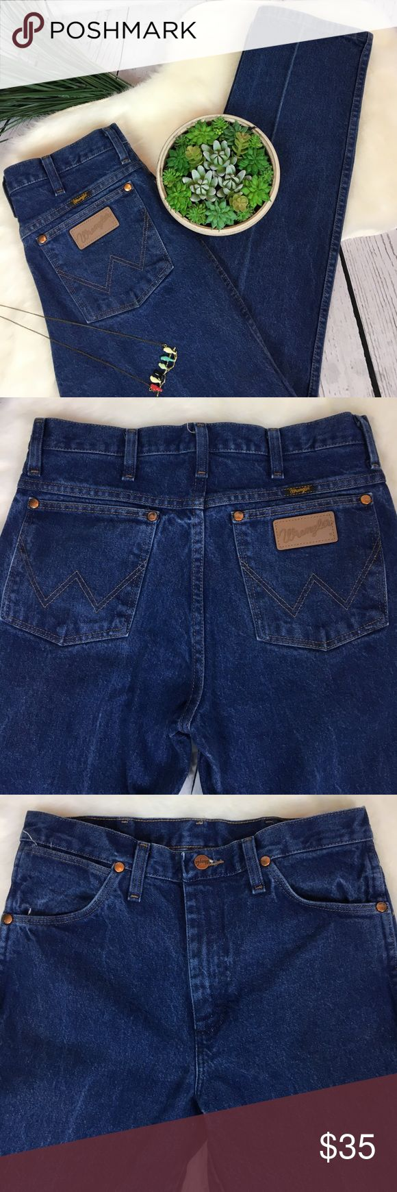 "•HOT• Vintage WRANGLER High Waist Mom Jeans 30x32 Don't. Miss. These.   Vintage WRANGLER High Waist Mom Jeans in Size 30x32. These are a GEM!!! Seriously give new meaning to the phrase 'Mom Jeans' they are ALL sorts of popular right now and nearly impossible to come by!! These are the REAL DEAL!!! Made in Mexico. Vintage. Zipper fly. Straight leg. Great worn-in condition from a smoke free home ... PLEASE check measurements!!  Measurements (flat) Waist: 15"" Rise: 11"" Hips: 19"" Inseam: 32"" Leg…"
