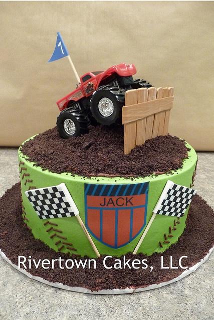Monster Truck Cake omg jen! @Jennifer Rust