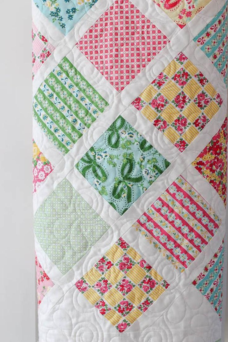 Baby Lattice Quilt Craftsy Charm Pack 5 Squares Friendly Baby Quilt Tutorials Baby Girl Quilts Lattice Quilt
