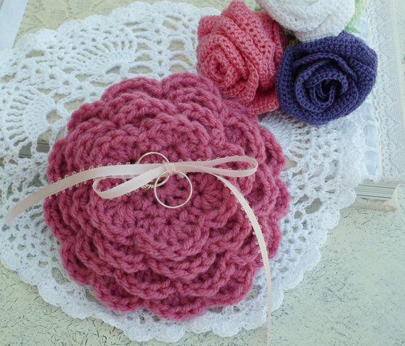 Rosa anello portatore cuscino alternativo di RosesAndIvyBridal